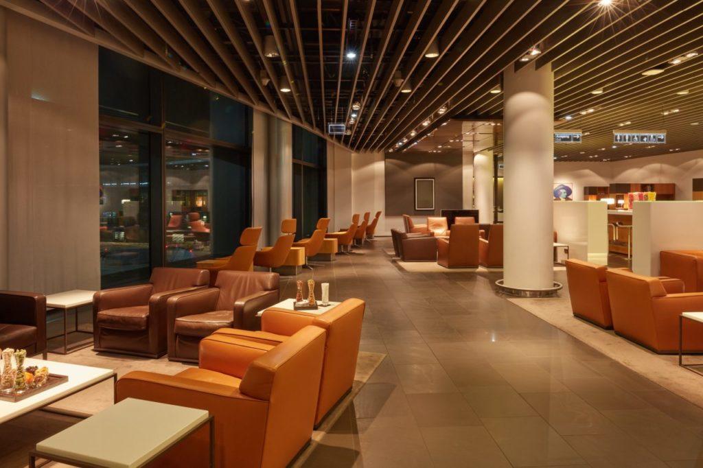 Aufenthaltsbereich Lufthansa First Class Lounge Flughafen Frankfurt
