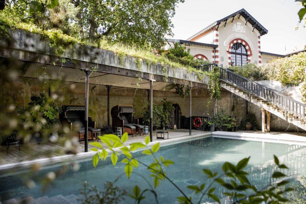Hotel Ville d'Hiver Garten und Pool