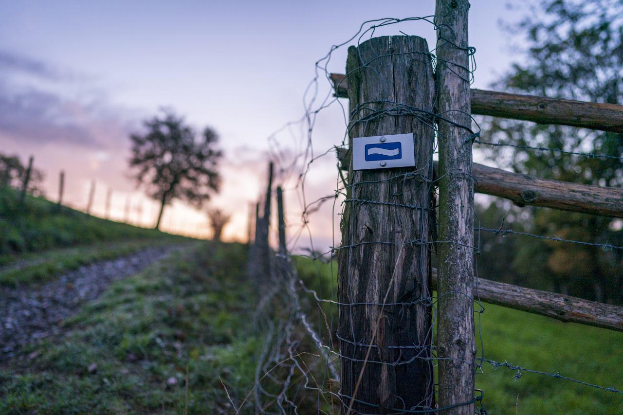 Kennzeichnung Wanderwege Lee Trail Luxemburg