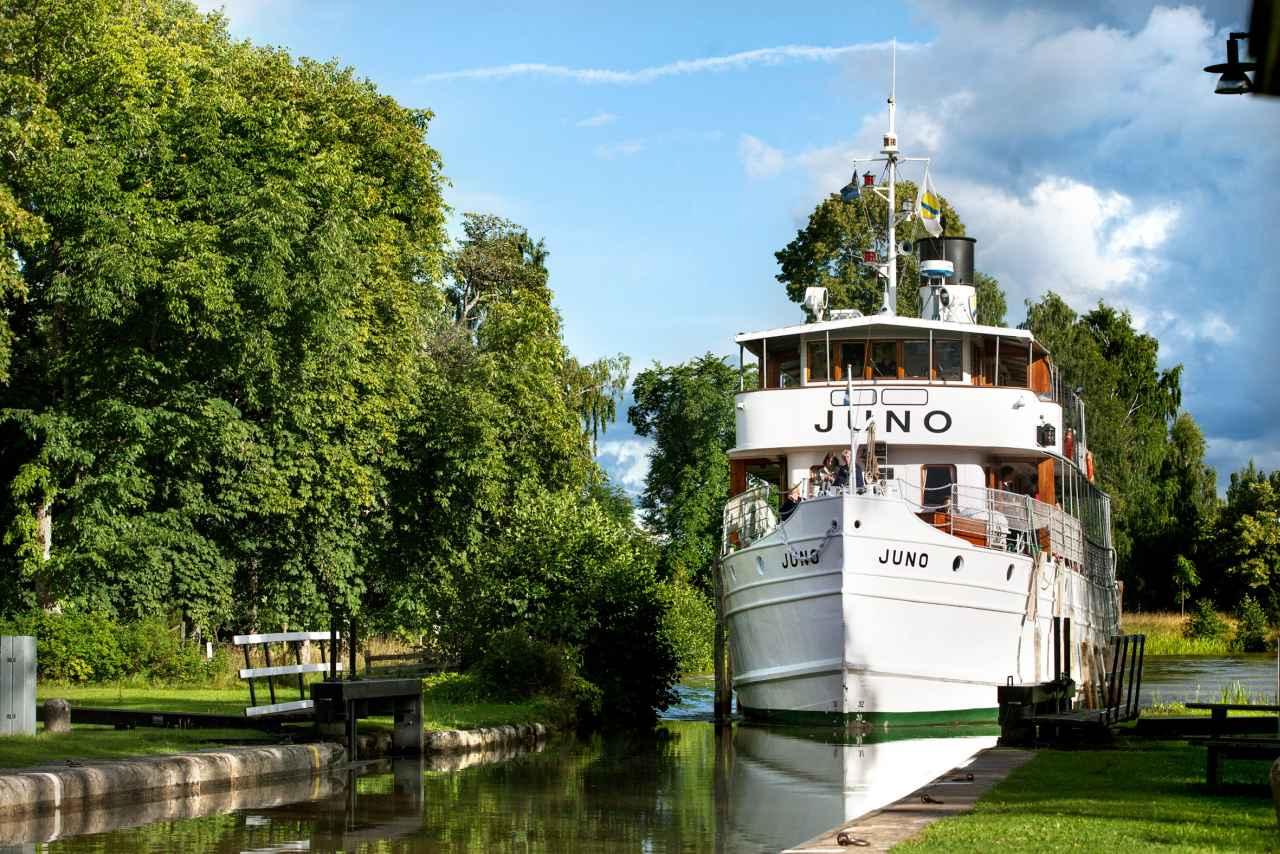 Schiff auf dem Götakanal zwischen Vänern und Vättern