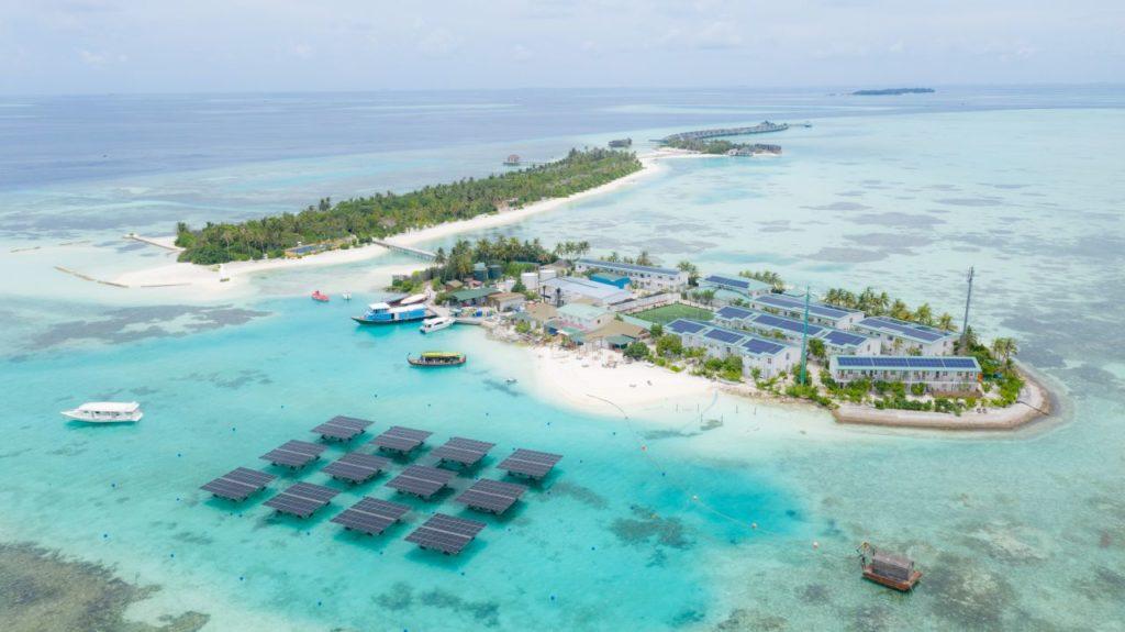 Schwimmende Solaranlage im OZEN LIFE MAADHOO