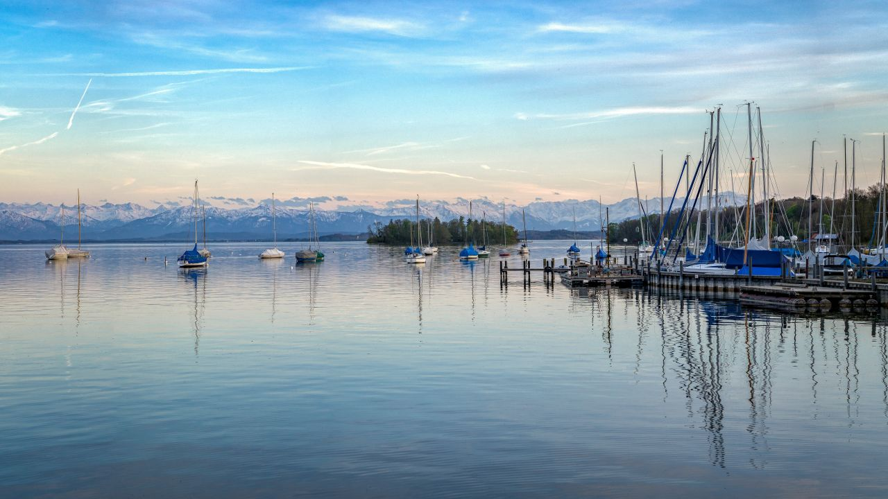 Starnberger See Seeblick mit Alpenpanorama
