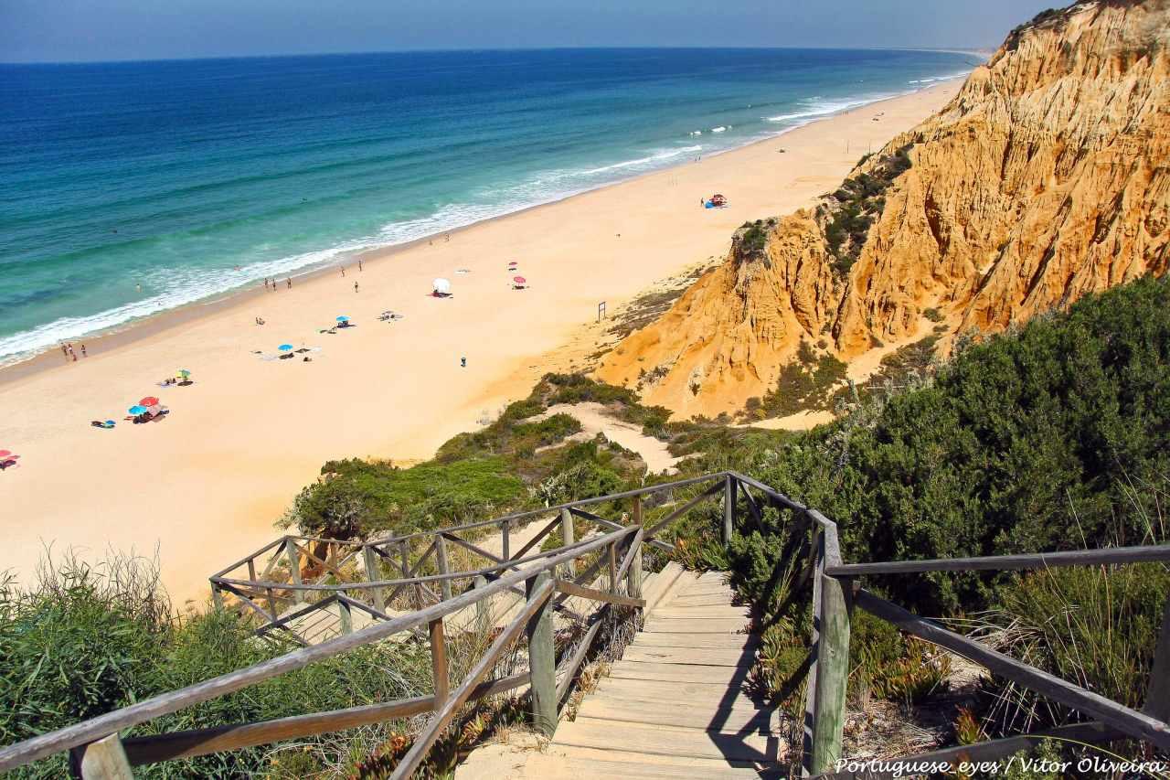 Praia da Galé Küste Strand