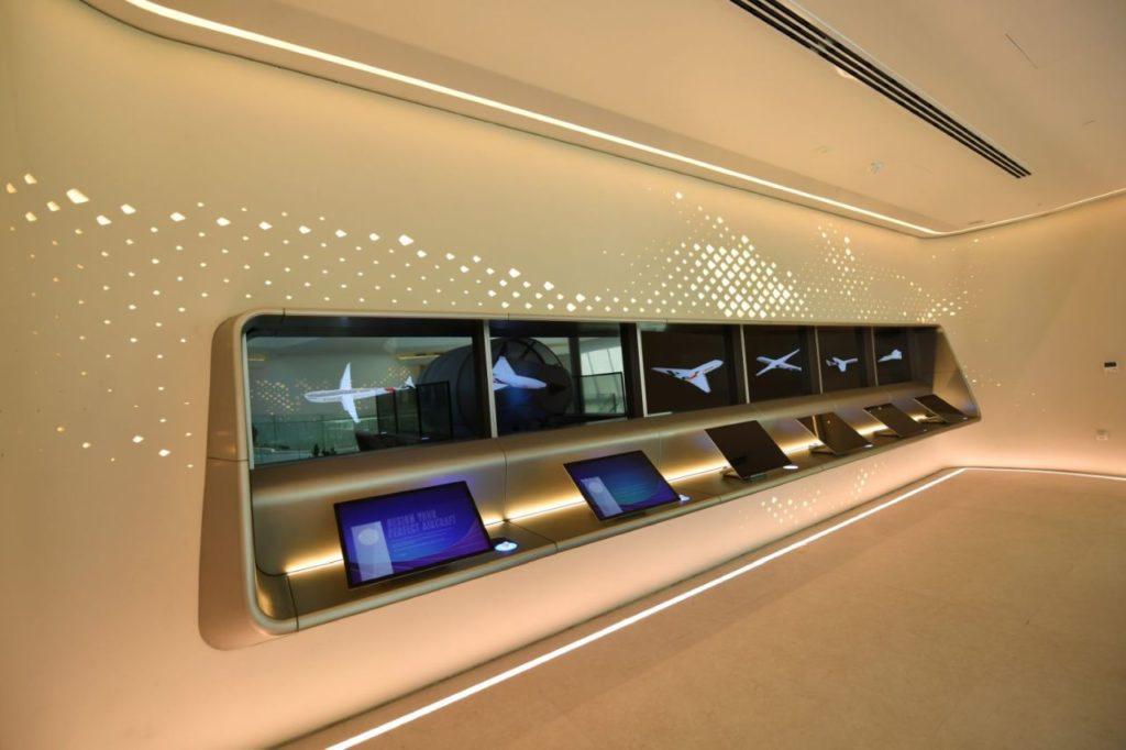 Entwerfen Sie Ihr perfektes Flugzeug Emirates Pavillon