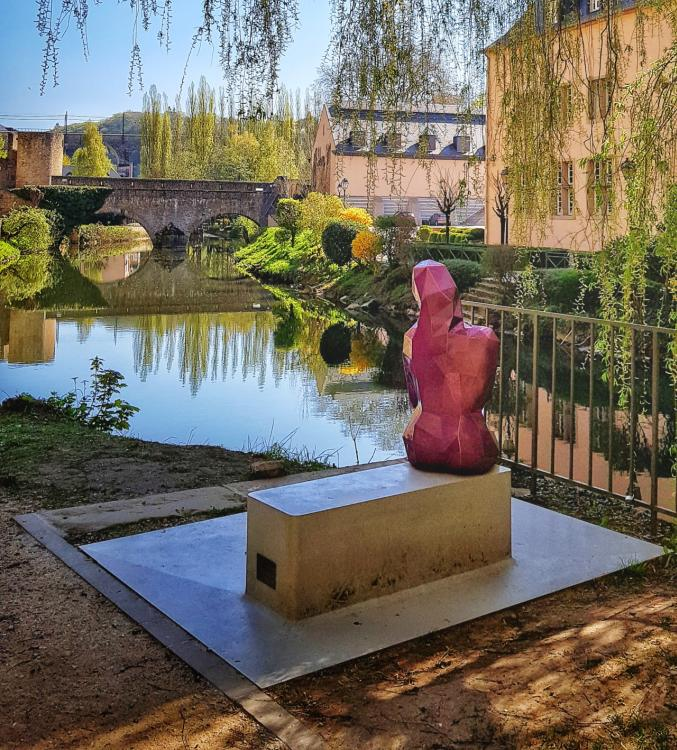 Melusina-Statue im Grund-Viertel von Luxemburg