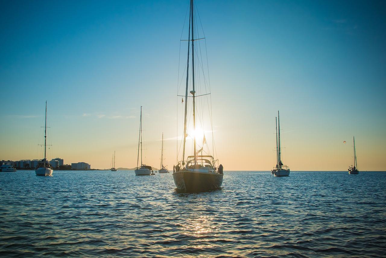 Yachten Ibiza Sonnenuntergang