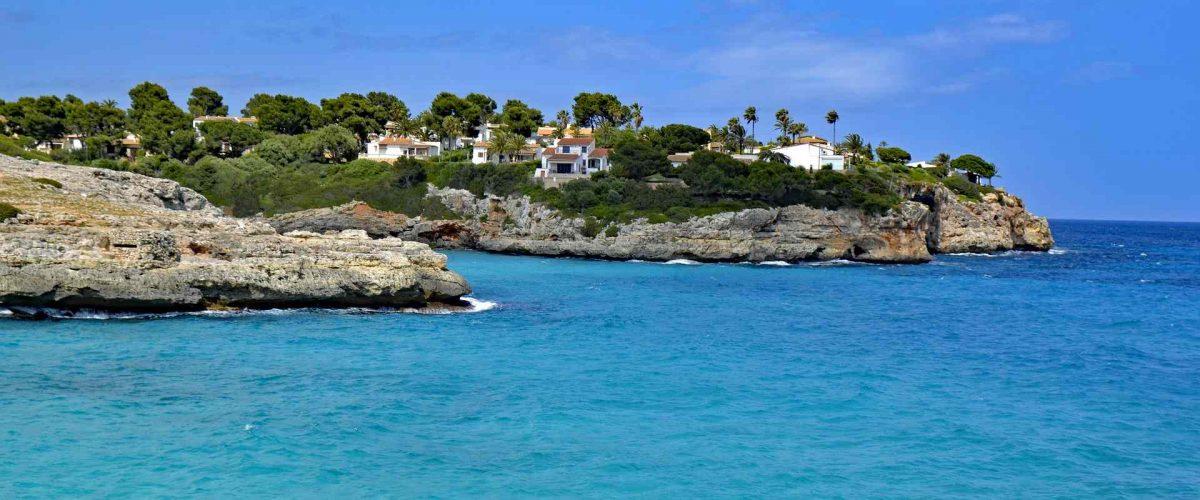 Cala Mandia Einfahrt zur Bucht