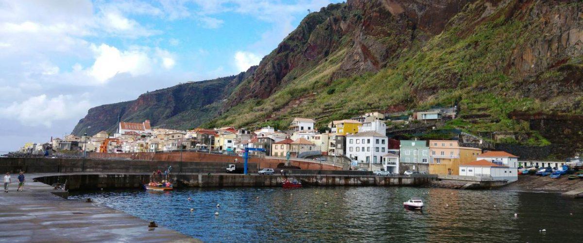 Hafenbecken von Paul do Mar auf Madeira