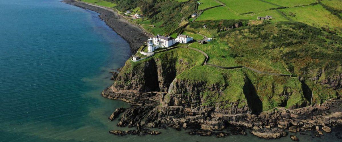Leuchtturm von Blackhead in Irland