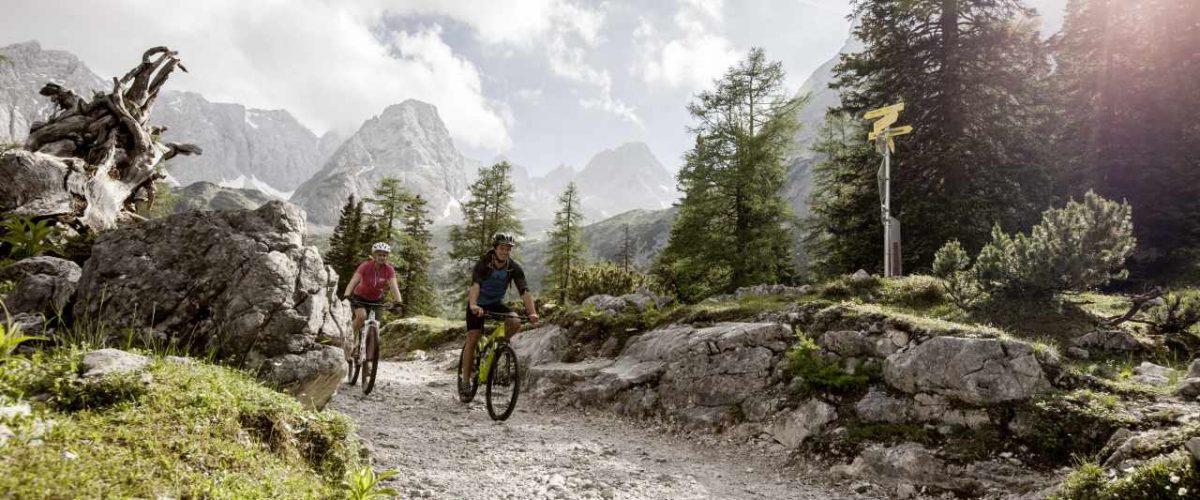Mountainbiker am Seebensee Zugspitz-8