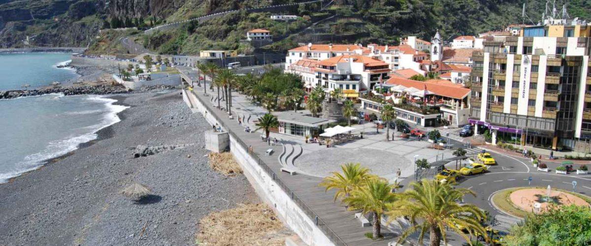 Ribeira Brava Strand und Promenade