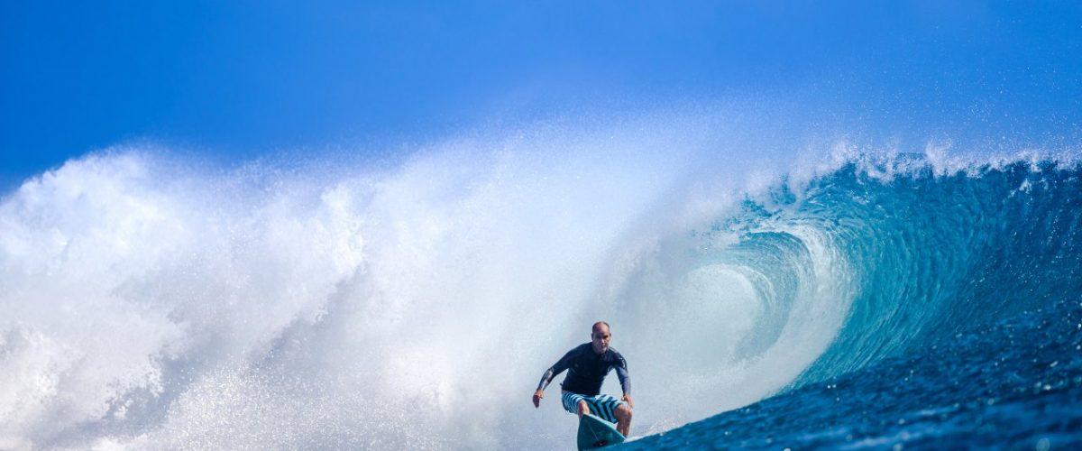 Wellenreiter vor Fidschi